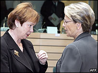 Swedish Defence Minister Leni Bjorklund (left) chats with her French counterpart Michele Alliot-Marie