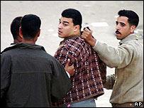 Policía detiene a un seguidor de los Hermanos Musulmanes