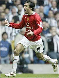 Man Utd striker Ruud van Nistelrooy celebrates ending his goal drought in the FA Cup semi-final against Newcastle