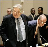 James Wolfensohn, presidente saliente del Banco Mundial, y Rodrigo Rato, director gerente del Fondo Monetario Internacional