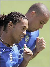 Brazil's Ronaldinho (left) and Ronaldo