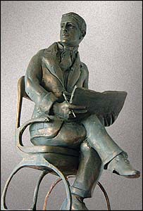 Ivor Novello sculpture
