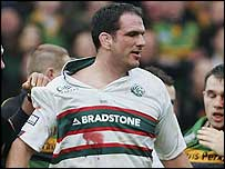 Leicester captain Martin Johnson shows his anger during an incident against Northampton