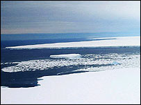 B15A iceberg photographed from the end of Drygalski ice tongue     Image: G. Napoli
