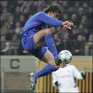 Chelsea's Hernan Crespo slots the ball home