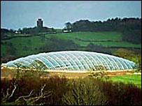 Tŷ gwydr yng Ngardd Fotaneg Genedlaethol Cymru