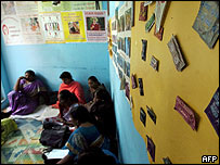 Indian sex workers attend Aids awareness class in Bangalore