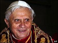 Joseph Ratzinger, nuevo Papa Benedicto XVI (AP/L'Obsservatore Romano)