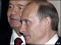 Uzbek President Islam Karimov, left, and Russian President Vladimir Putin