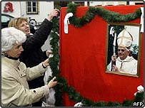 Inhabitants of Marktl am Inn, the birth town of Germany's Joseph Ratzinger