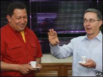 Hugo Ch�vez y �lvaro Uribe