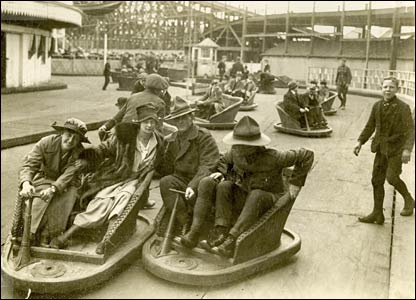 Here are the Witching Waves ride in 1919, the cars of which were