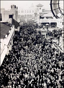 Crowds flock to the pleasure beach in 1933