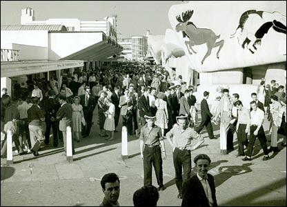 The Pleasure Beach's main avenue pictured in 1959