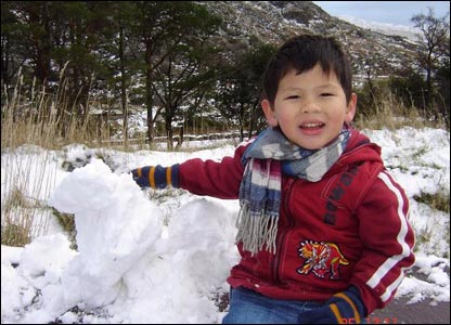 Rosle Mohidin sent us this photo of son Iqbal having fun amid the snow in Snowdonia