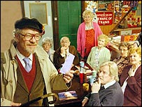 Sir Ian McKellen as Mel Hutchwright with the Coronation Street cast
