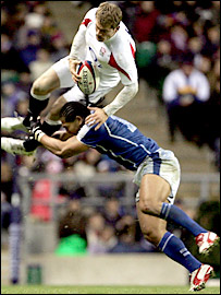 Alesana Tuilagi takes out Mark Cueto in the air