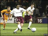 Paul Hartley slots home from the spot