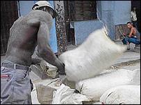 Trabajador cubano (Foto Raquel P�rez)