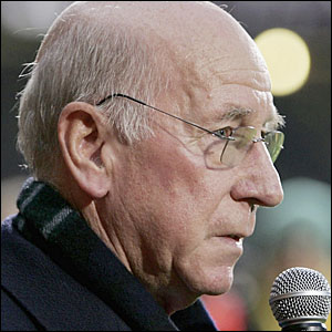 Sir Bobby Charlton talks to the crowd at Upton Park about his friend