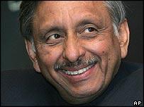 Indian petroleum minister Mani Shankar Aiyar