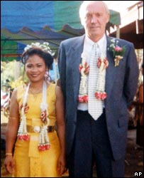 Kenneth Bigley with wife Sombat Bigley in Thailand