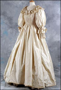 Princess Diana's replica wedding dress