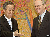 Christopher Hill (r)  with South Korean Foreign Minister Ban Ki-moon, 25 April