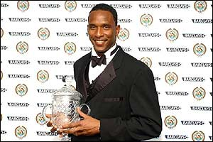 Shaka Hislop receives the Special Merit Award