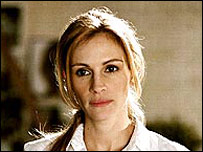 Julia Roberts in Closer (2004)