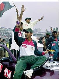 Habibul Bashar celebrates a Test series victory over Zimbabwe