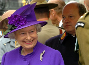 Queen at Anzac Day service