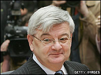 Joschka Fischer at inquiry, 25 Apr 05