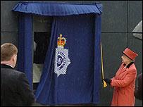 The Queen unveiling the memorial
