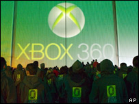 Fans waiting for the launch of the Xbox 360