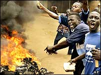 Opposition supporters in Togo burning barricades