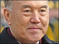 Kazakh President Nursultan Nazarbayev during a visit to Ukraine, Kiev, Nov. 18, 2005.