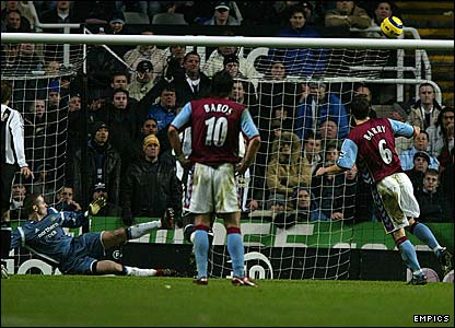 Gareth Barry blazes over an 88th minute penalty