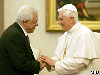 Palestinian leader Mahmoud Abbas (left) and Pope Benedict XVI at the Vatican