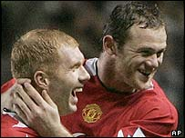 Paul Scholes and Wayne Rooney celebrate