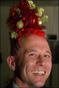 Mark Davis and his unusual Christmas tree hair (picture Wales News)