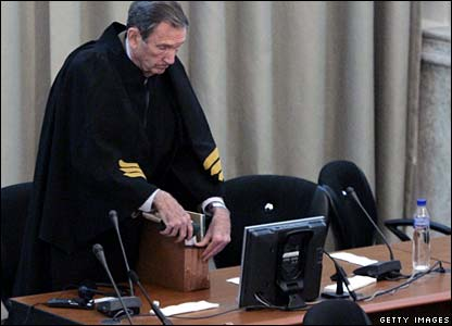 Former US Attorney General Ramsey Clark at the trial of Saddam Hussein