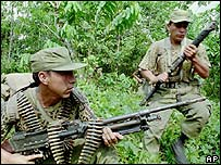 Peruvian soldiers in the jungle