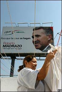 Letrero que promueve la candidatura de Roberto Madrazo en México