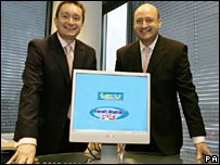 Jeff Henry, (left) of ITV's Consumer Division and Friends Reunited chief executive Michael Murphy (right)