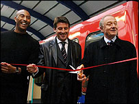 Retired athlete Colin Jackson, London 2012 chairman Sebastian Coe and Mayor of London Ken Livingstone
