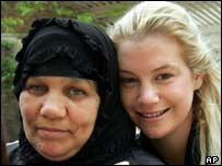 Marla Ruzicka (right) with an Iraqi woman in Baghdad