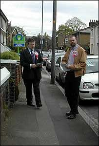 Steve Uncles and Garry Bushell on a Greenwich street