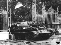 North Vietnamese communist tank driving through the main gate of the presidential palace of the  US-backed South Vietnam regime, 30 April 1975