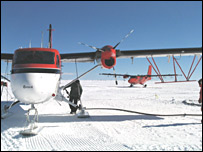 Survey planes on the ice (Bas)